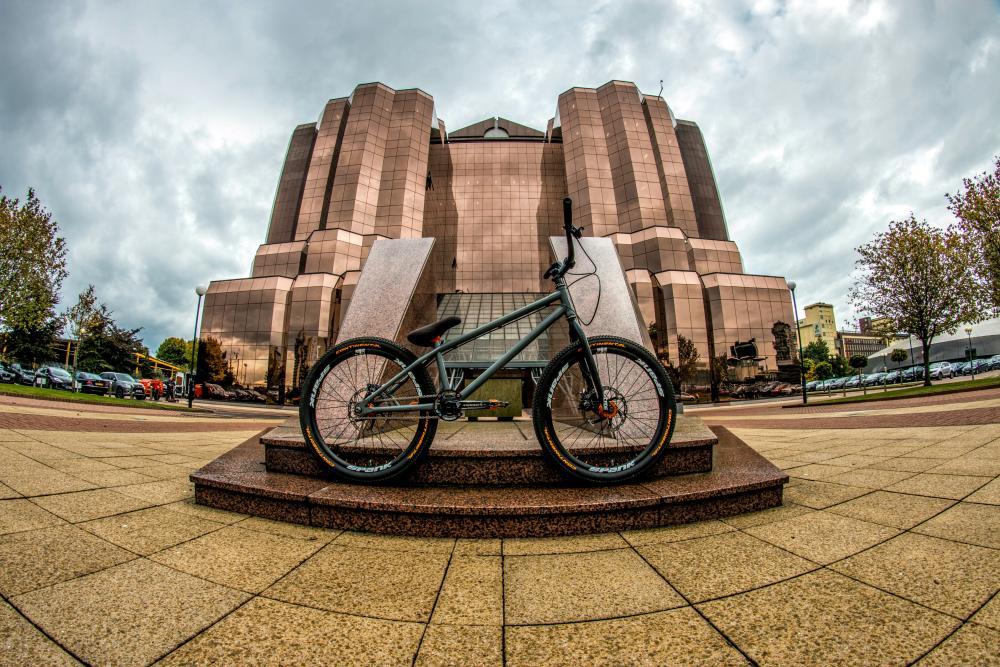 Bike_2~2.jpg