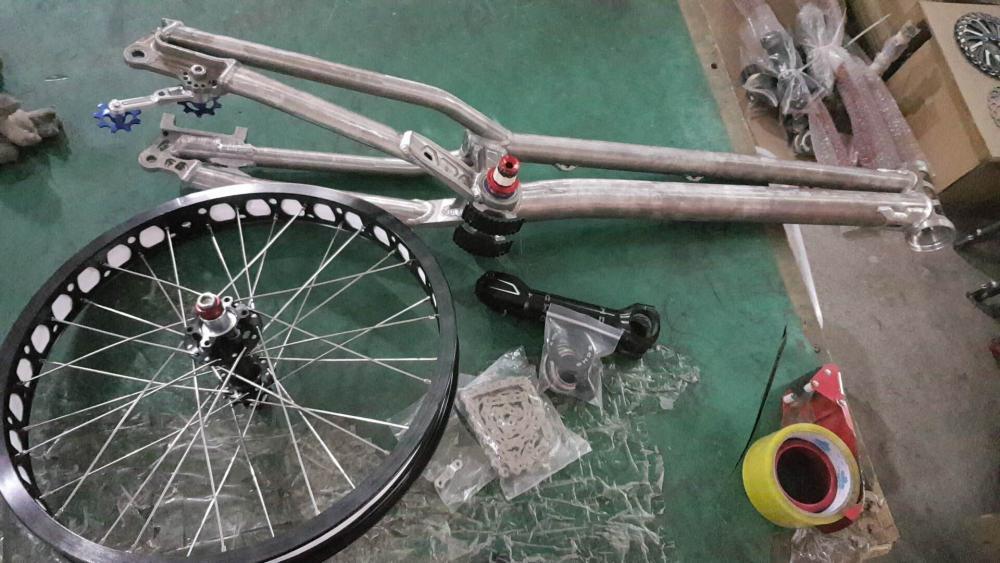 Bike.thumb.jpg.510a7291c2554b7c3909e0fc28e9bcb4.jpg